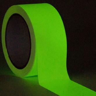 Rollo de cinta adhesiva fotoluminiscente